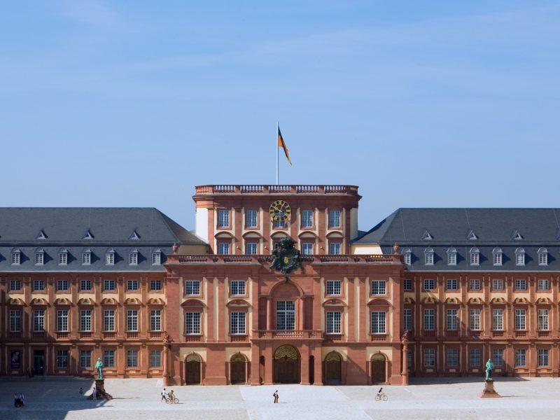 Denkmalschutz-Barockschloss Mannheim-Kastenfenster-Fensterrestaurierung-Fenstersanierung-