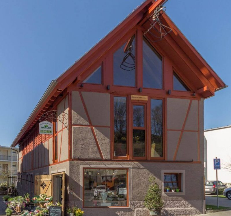 Holzfenster-Ochsenblutrot-Marktscheune_Meckesheim