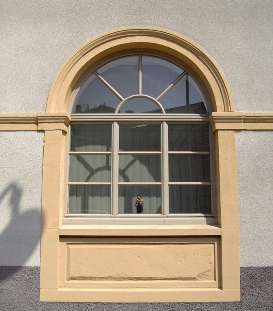 Isofenter_D-Rathaus St._Leon_Rot-Denkmalschutzfenster-Einfachfenster